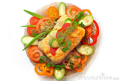 Appetizing meat pie with vegetables