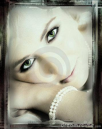 Green-eyed bride - vintage finish