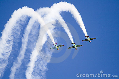 Harvards flying in formation