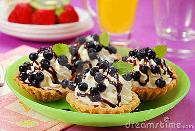 Blueberry mini tartlets