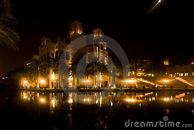 Madinat Jumeihra at night