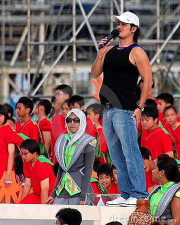 Event host Gurmit Singh at NDP 2009 rehearsal