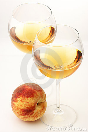 White wine and peach