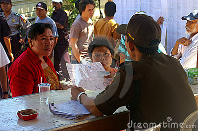 Voters submitting documents
