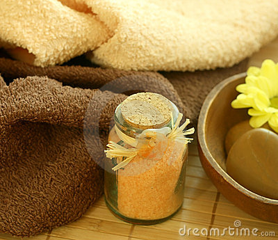 Spa composition of towels and bad salts
