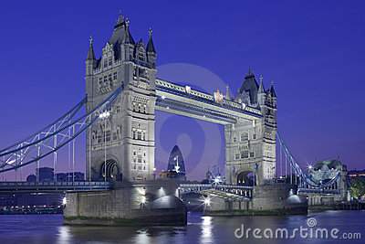 Night shot of Tower Bridge