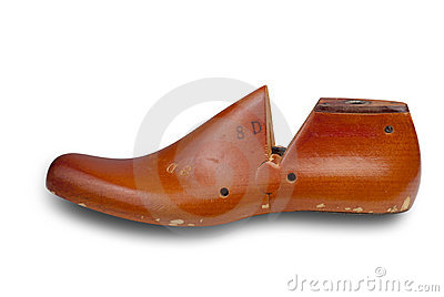 Shoe form with clipping path