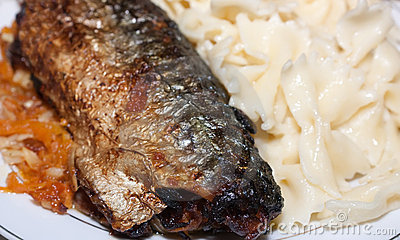 Fried mackerel and macaroni