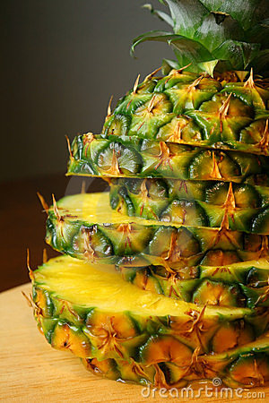 Pineapple sliced