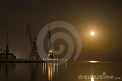 Cranes at Baku port at night