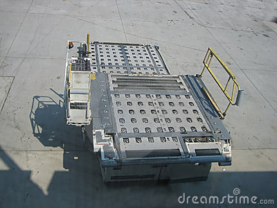 Baggage loader