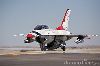 F16 taxi for takeoff