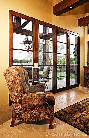 Home family room with large doors to patio