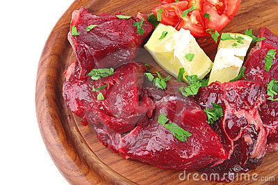 Raw small beef chunks