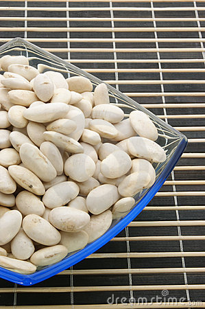 Dry white beans in a bowl