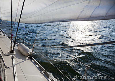 Sailing into the wind / sunlight