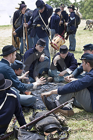 Union soldiers playing cards