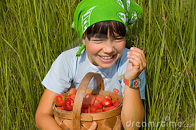 Child with basket of the berries
