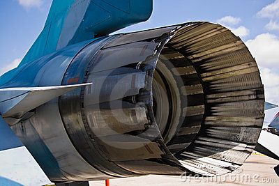 F16 Rear Engine
