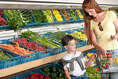 Grocery store - Red hair woman with child