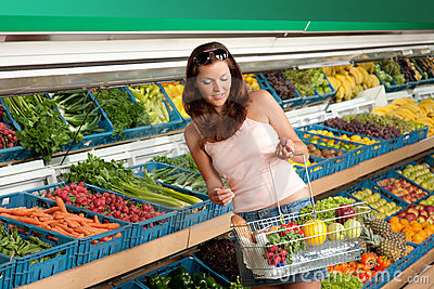 Grocery store - Woman in summer outfit
