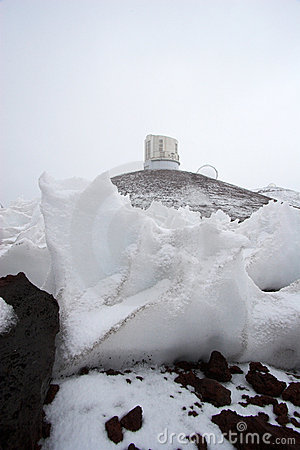 Observatories and snow