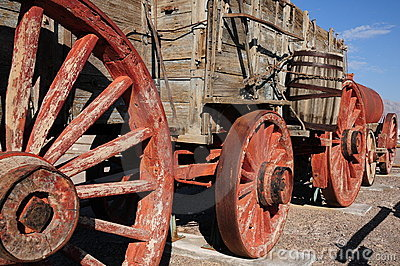 Borax mining cart, Death Valley