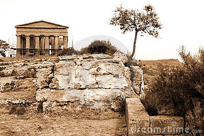 Classical old Italy, Greek temple