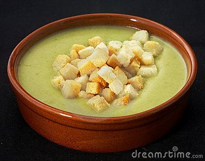 Puree soup with croutons