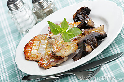 Grilled pork with mushrooms