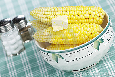 Steaming corn