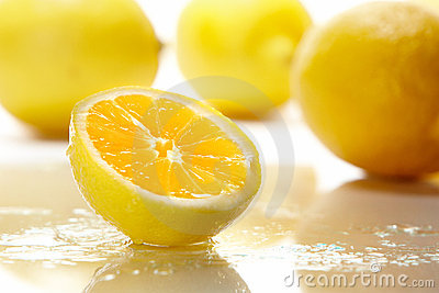 Sliced Yellow Lemon