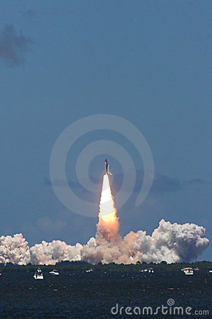 Space shuttle launch – STS 121
