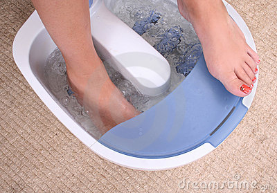 Woman's footin home spa