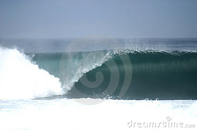 Perfect empty wave breaking in Chile