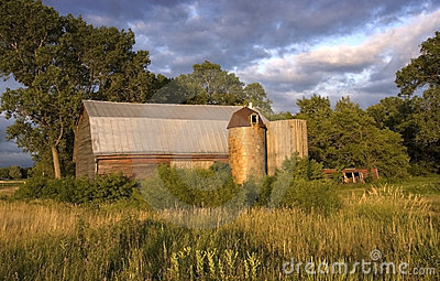 Rare Barn with Wooden and Tile Silos