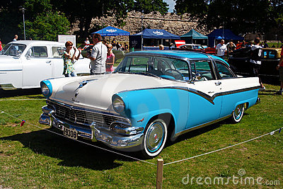 1956 Ford Fairlane 2D HT