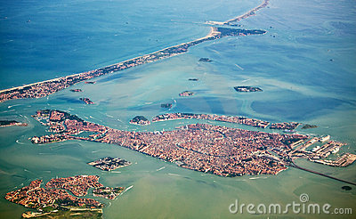 Kind on venice from the plane