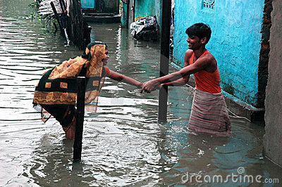 Rains cause water logging in Kolkata