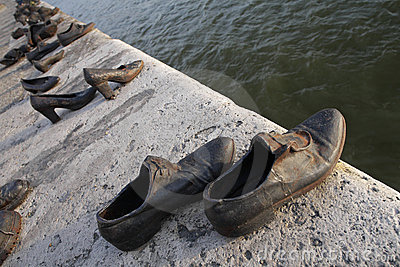Bronze shoes on the Danube embankment