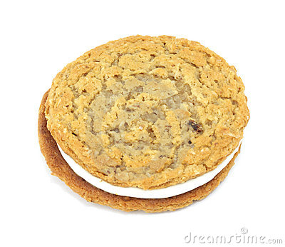 Oatmeal creme cookie