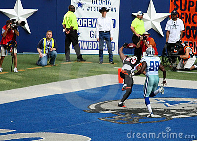 Cowboys Bengals End Zone Catch