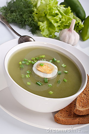 Serving of spinach cream soup