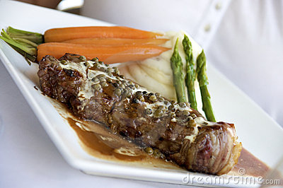 Peppercorn steak dinner