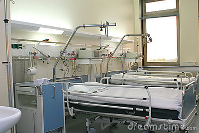 Hospital chamber with cardiology equipment