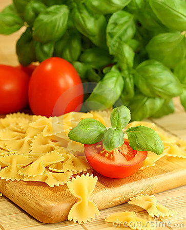 Italian pasta with basil and tomatoes