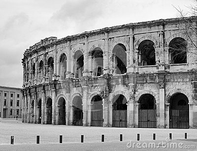 Black and white View of Nimes arena