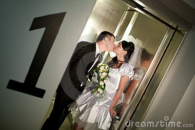 Kiss in the lift