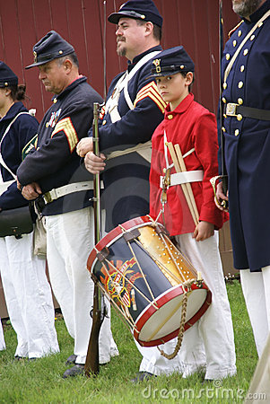 Union soldiers and drummer boy