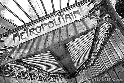 Metropolitain notice board in black and white